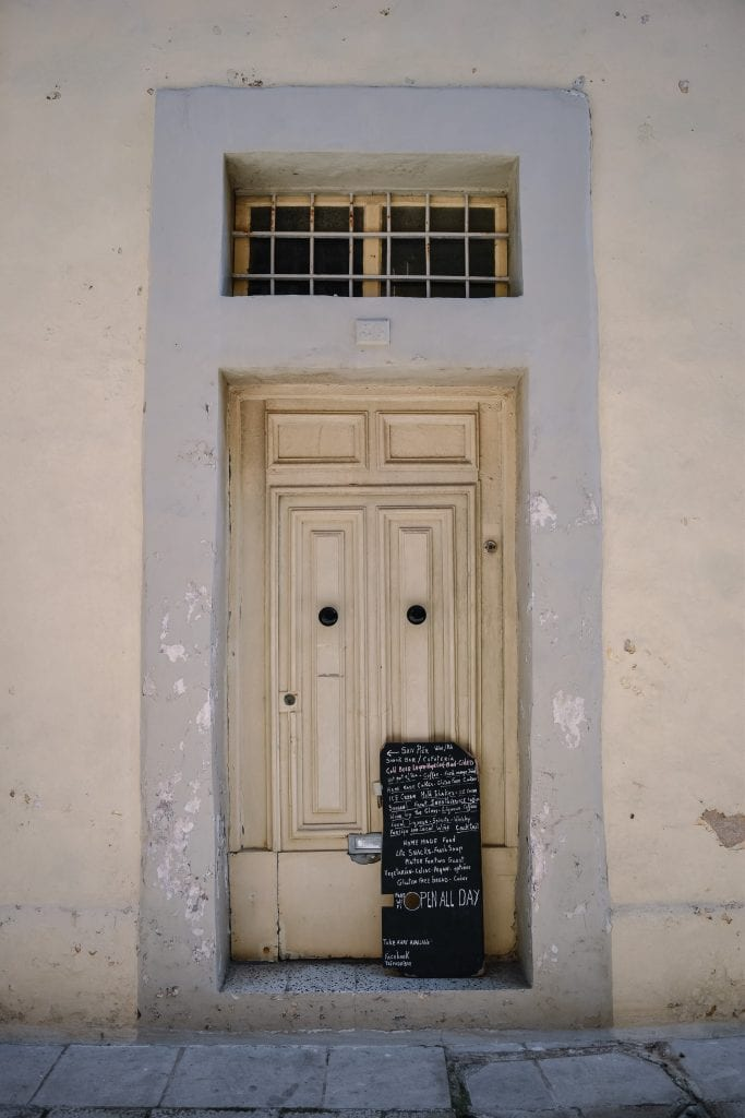 A Beginners Guide To Slow Travel - A Beautiful Doorway In The Silent City of Mdina, Malta